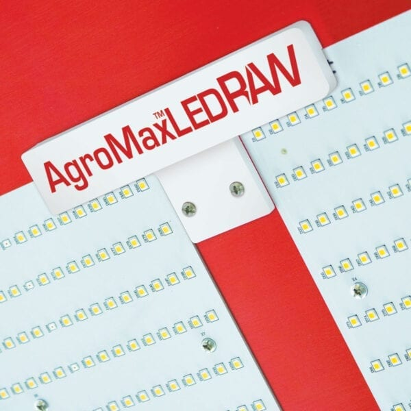 AgroMax-RAW-550-Flower-LED-Grow-Light-cable-casing-closeup